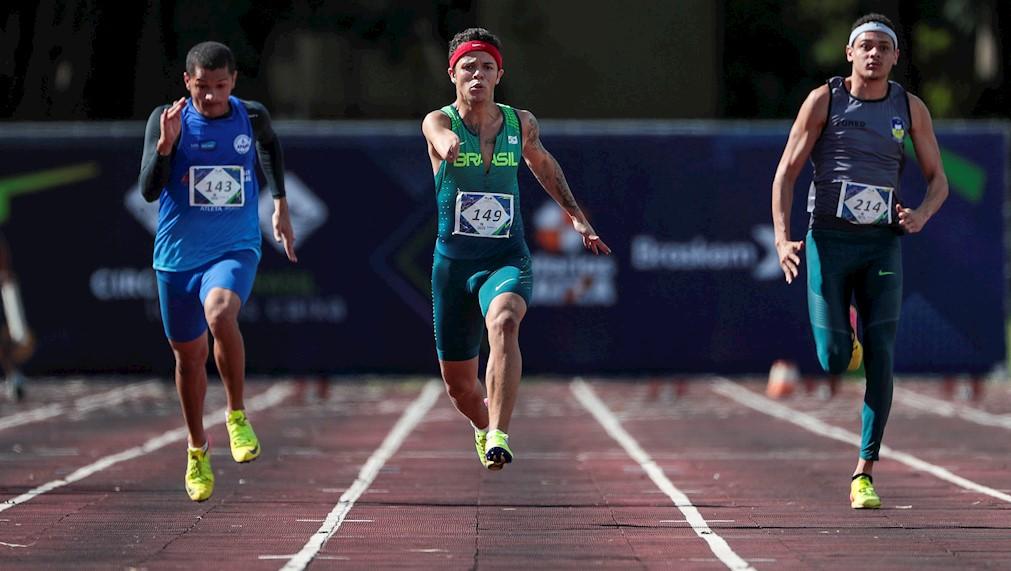 Yuri é revelação no Circuito Loterias Caixa em Brasília nos 100m
